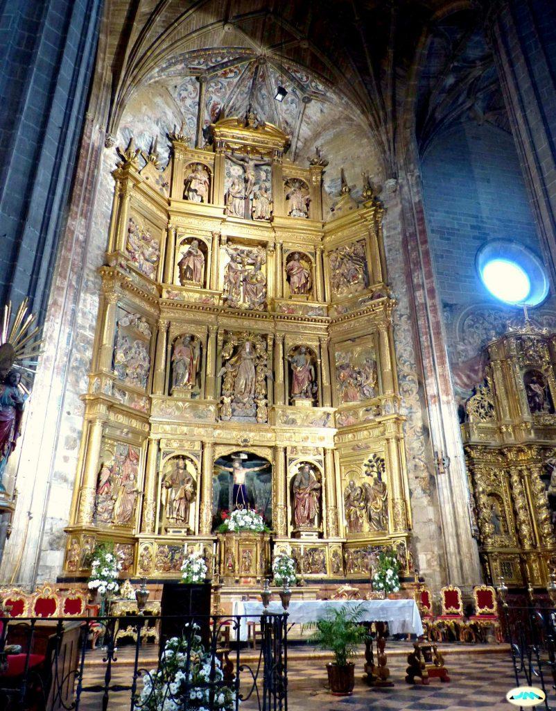 altar de la iglesia de briones